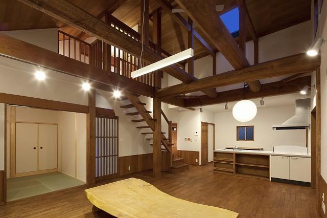 s-吹抜けと自然素材の家 (5)